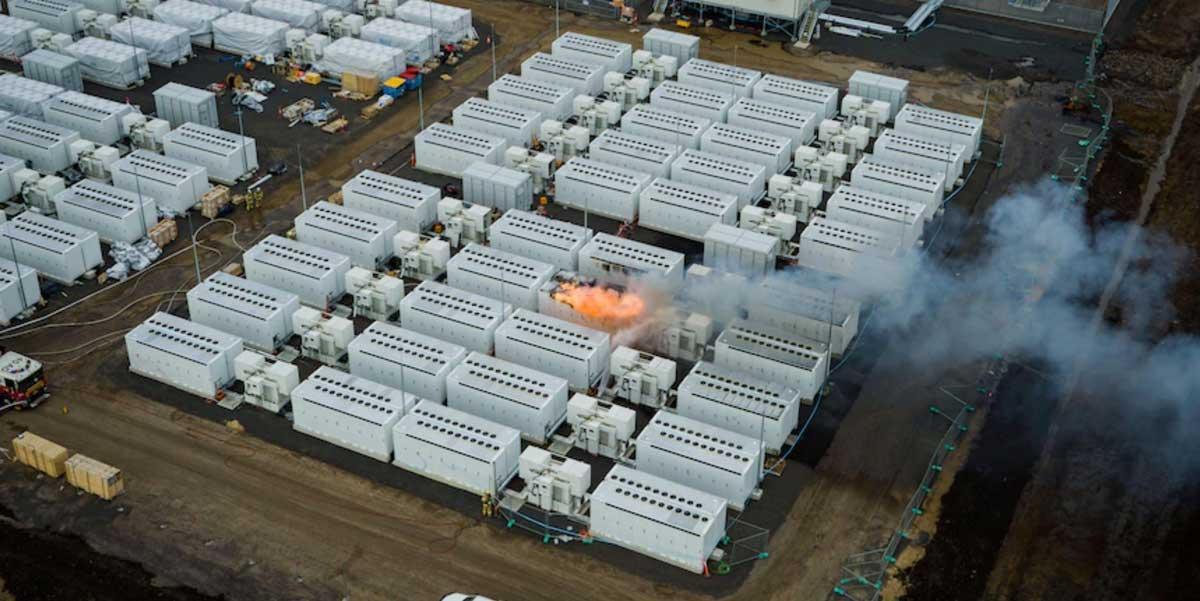 سایت ذخیرهسازی 300 مگاواتی Tesla Megapack در استرالیا آتش گرفت