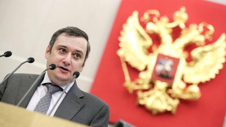 الکساندر خینشتاین، رئیس کمیته سیاست اطلاعات دومای روسیه